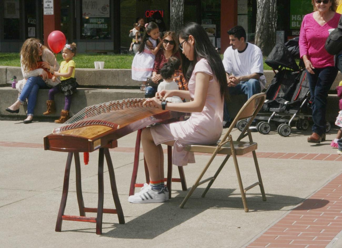 Emily-guzheng-2
